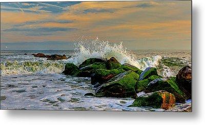 Crashing Waves Metal Print by David Hahn