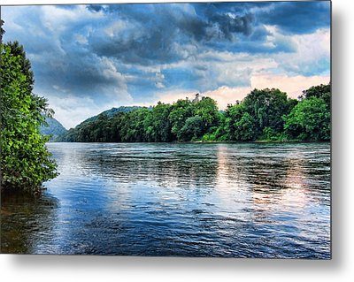 Metal Print featuring the photograph Delaware River by Michael Dorn
