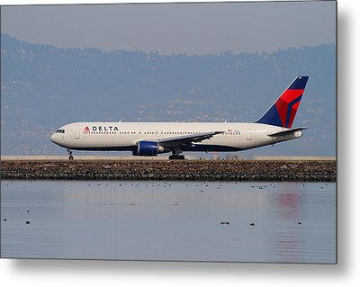 Delta Airlines Jet Airplane At San Francisco International Airport Sfo . 7d12111 Metal Print by Wingsdomain Art and Photography