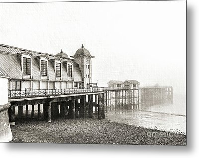 Disa Pier Ing Mono Metal Print by Steve Purnell