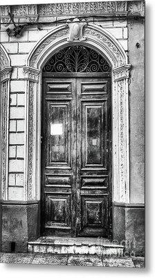 Doors Of Cuba Green Door Bw Metal Print