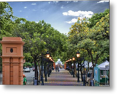 El Paseo De La Princesa Old San Juan Puerto Rico Metal Print by Frank Feliciano