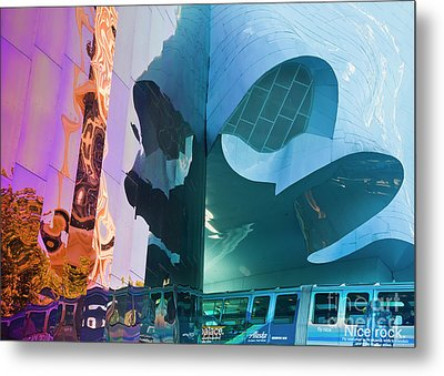 Metal Print featuring the photograph Emp Psychadelic by Chris Dutton