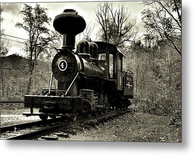 Engine 4 Metal Print