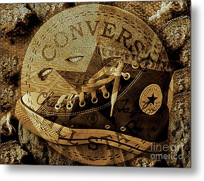 Fantasy On La Converse Metal Print