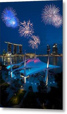 Fireworks Metal Print by Ng Hock How