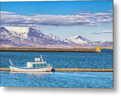 Fishing Metal Print by Wade Courtney
