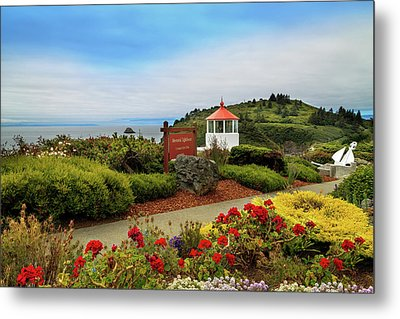 Metal Print featuring the photograph Flowers At The Trinidad Lighthouse by James Eddy