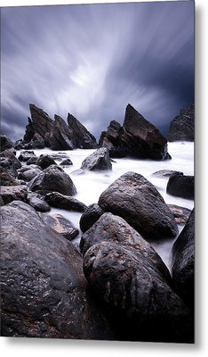 Metal Print featuring the photograph Flowing by Jorge Maia