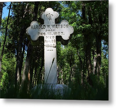 From The Grave No4 Metal Print by Peter Piatt