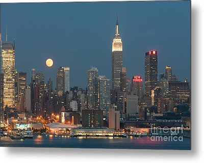 Full Moon Rising Over New York City II Metal Print by Clarence Holmes