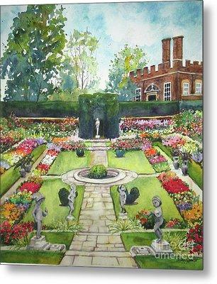 Garden At Hampton Court Palace Metal Print by Susan Herbst