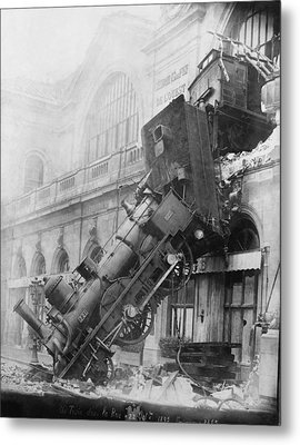 Gare Montparnasse Train Wreck 1895 Metal Print by Photo Researchers