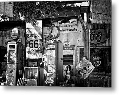 Gas Station On Route 66 Metal Print by Hideaki Sakurai