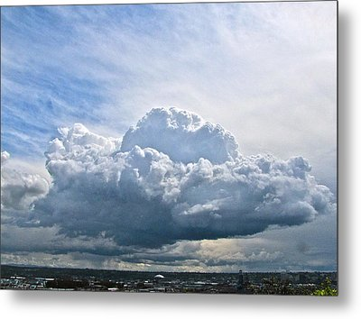 Gathering Storm Metal Print by Sean Griffin