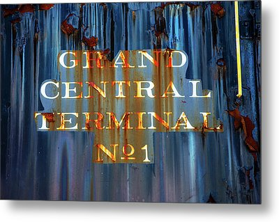 Metal Print featuring the photograph Grand Central Terminal No 1 by Karol Livote