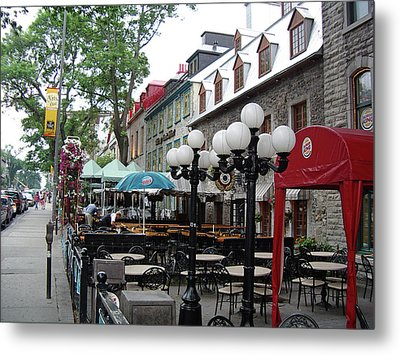 Metal Print featuring the photograph Grande Allee Est by John Schneider