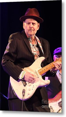 Guitarist Ronnie Earl Metal Print by Ronnie Earl and The Broadcasters