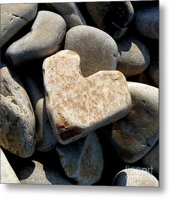Metal Print featuring the photograph Heart Stone by Lainie Wrightson