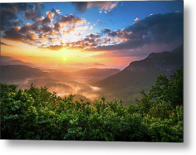 Highlands Sunrise - Whitesides Mountain In Highlands Nc Metal Print by Dave Allen