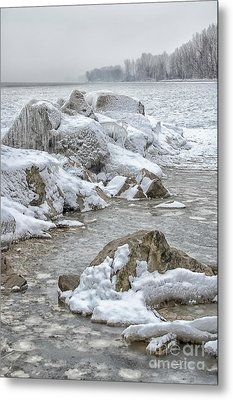 North Beach On A Winters Day By Dave Metal Print by Photography By Phos3 Kathryn Parent and Dave Paddick