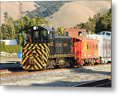 Historic Niles Trains In California . Old Southern Pacific Locomotive And Sante Fe Caboose . 7d10821 Metal Print by Wingsdomain Art and Photography