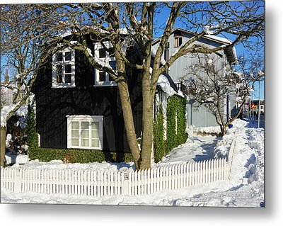 House In Reykjavik Iceland In Winter Metal Print by Matthias Hauser