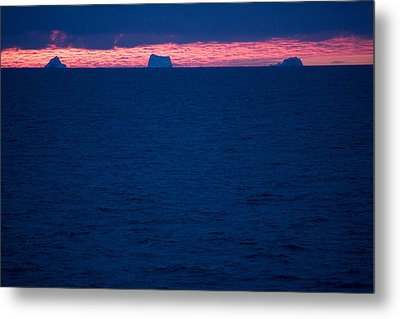 Icebergs On The Distant Horizon Metal Print