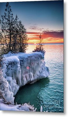 Metal Print featuring the photograph Icicle Cliffs by Mark David Zahn