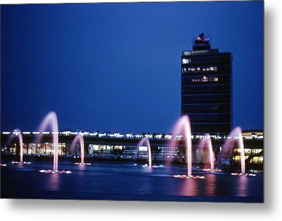 Metal Print featuring the photograph Idlewild Fountain And Tower by John Schneider