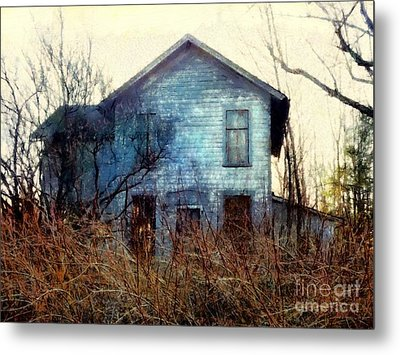 I'm Not Home Right Now, Please Leave A Message - Abandoned Farmhouse Metal Print