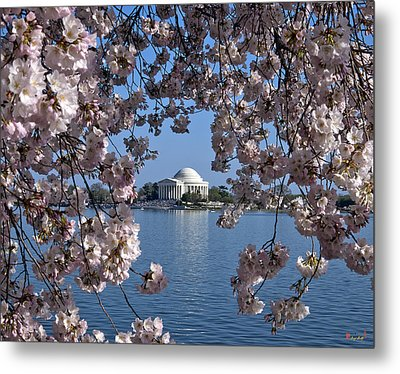 Metal Print featuring the photograph Jefferson Memorial On The Tidal Basin Ds051 by Gerry Gantt
