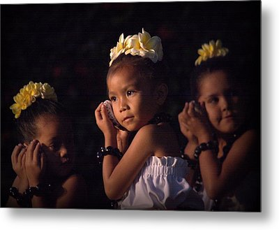 Metal Print featuring the photograph Keiki Conch Shell Hula by Lori Seaman