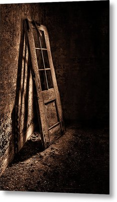 Knockin' At The Wrong Door Metal Print by Evelina Kremsdorf