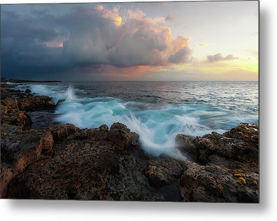 Metal Print featuring the photograph Kona Gold by Ryan Manuel