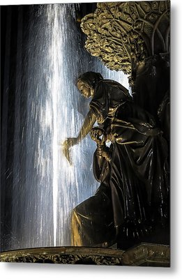 Lady In The Fountain Metal Print