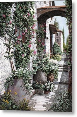 Le Rose Rampicanti Metal Print by Guido Borelli