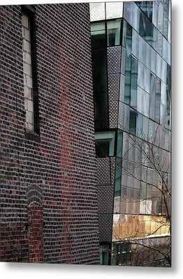 Leaning In At The High Line Metal Print by Rona Black