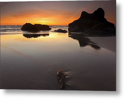 Left By The Tides Metal Print by Mike  Dawson