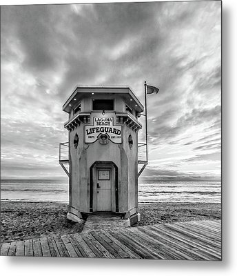 Metal Print featuring the photograph Lifeguard Station In Black And While by Cliff Wassmann