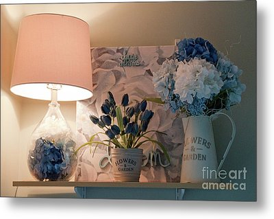 Lighting Up For An Artistic Day Metal Print
