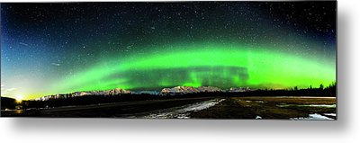 Little House Under The Aurora Metal Print