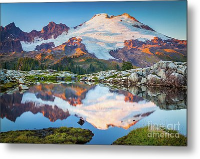 Majestic Kulshan Metal Print by Inge Johnsson