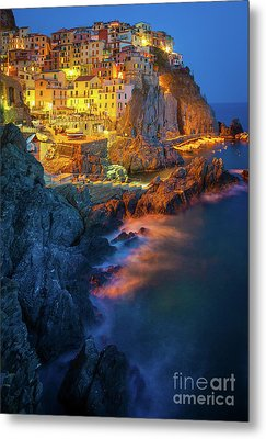 Manarola Lights Metal Print by Inge Johnsson
