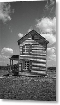 Metal Print featuring the photograph Manassas Civil War Battlefield Farmhouse Bw by Frank Romeo