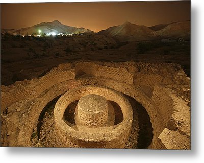 Masonry Foundations Beneath A Bathhouse Metal Print by Michael Melford