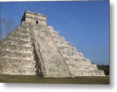 Mayan Ruins At Chichen Itza, Kukulcans Pyramid, Yucatan, Mexico Metal Print by Tom Brakefield