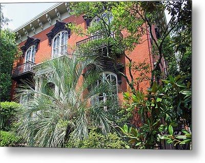 Mercer Williams House-savannah Ga Metal Print by Suzanne Gaff