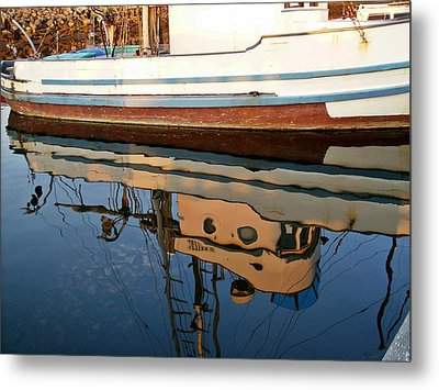 Metal Print featuring the photograph Mirror Image by Carol Grimes