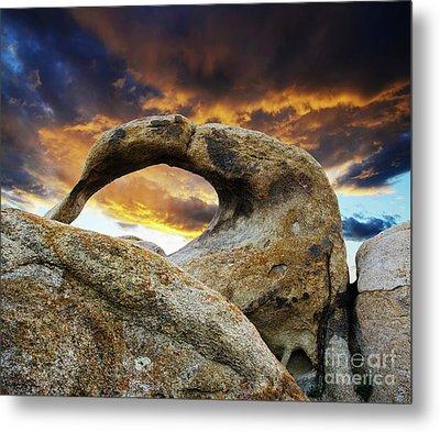 Mobious Arch California 7 Metal Print by Bob Christopher